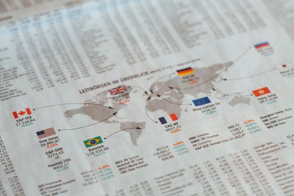 Bild mit Landkarte zum Thema Inflation und Geldentwertung
